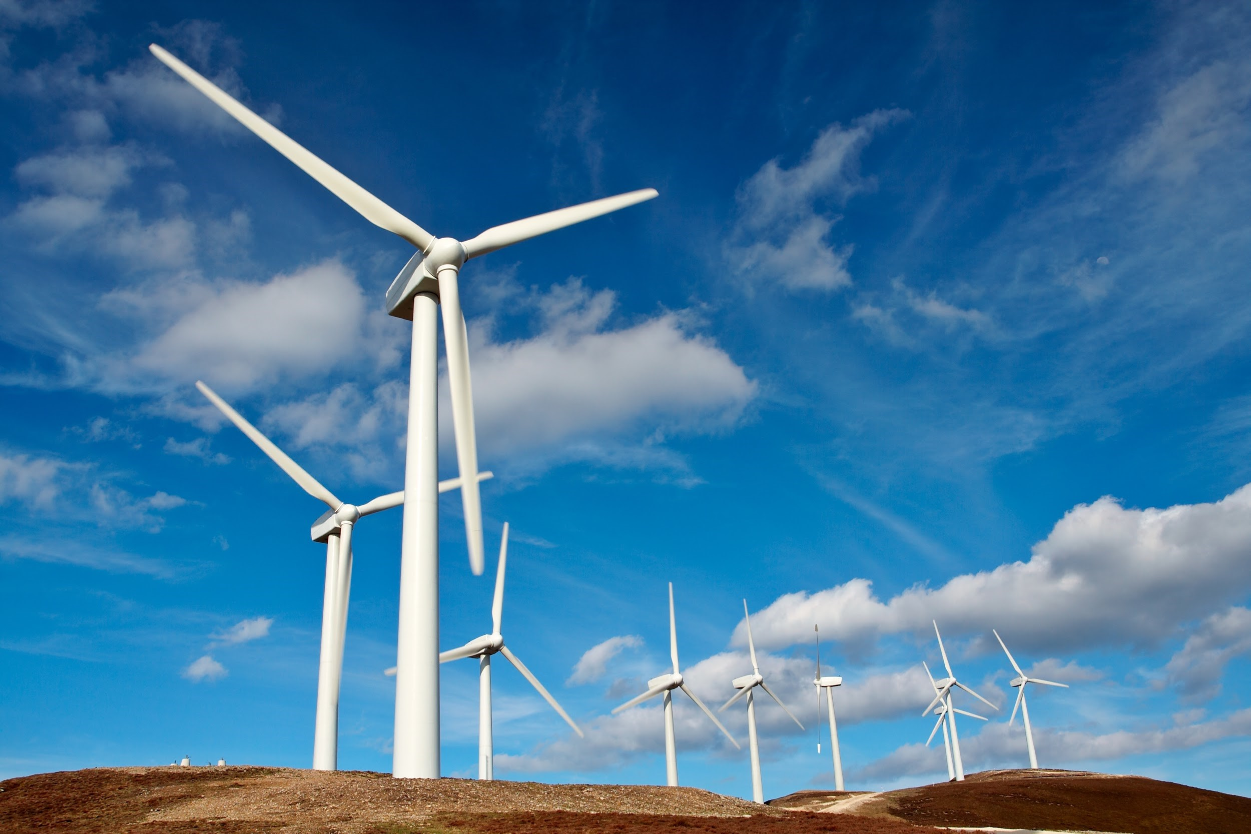 Wind Energy   Pros and cons information windmill image